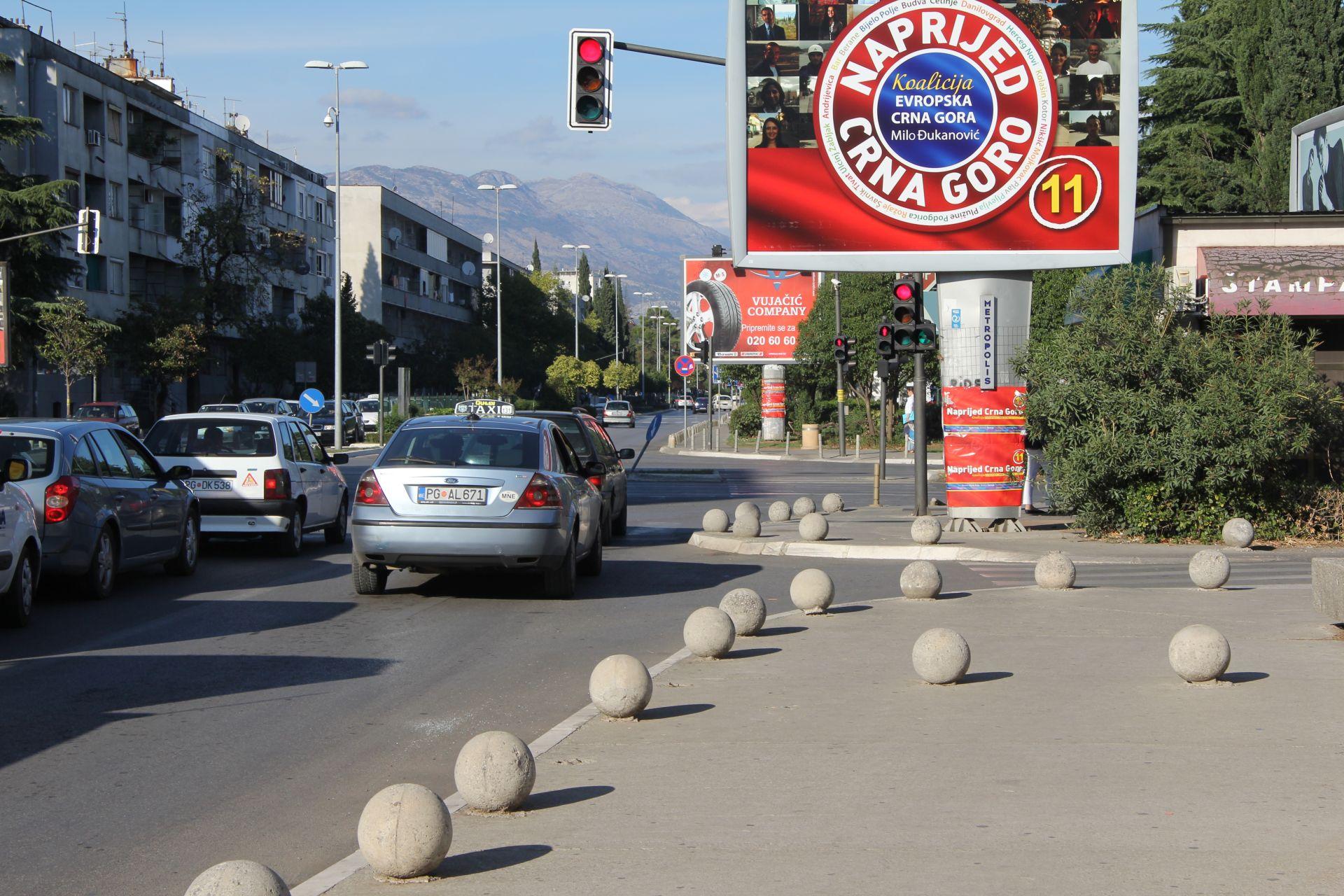 road poles 4