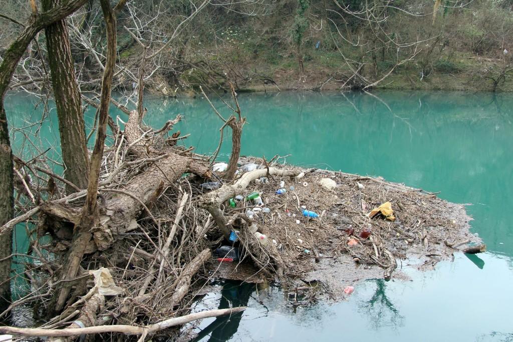 Zeta garbage island1
