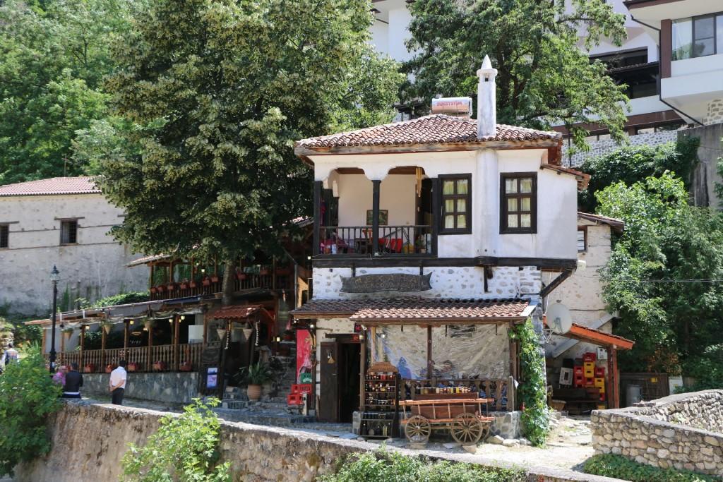 Melnik2a village