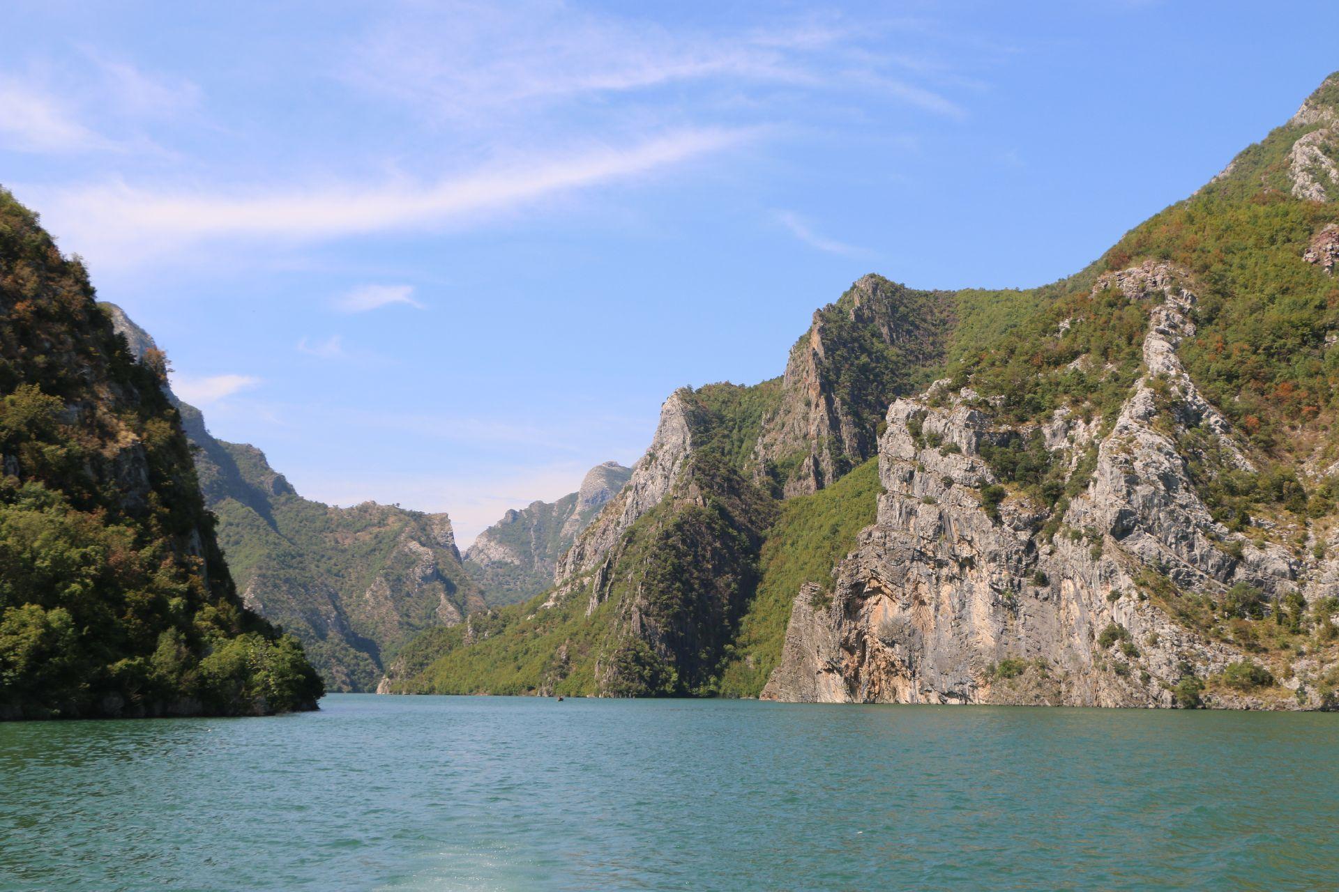Komani Lake1