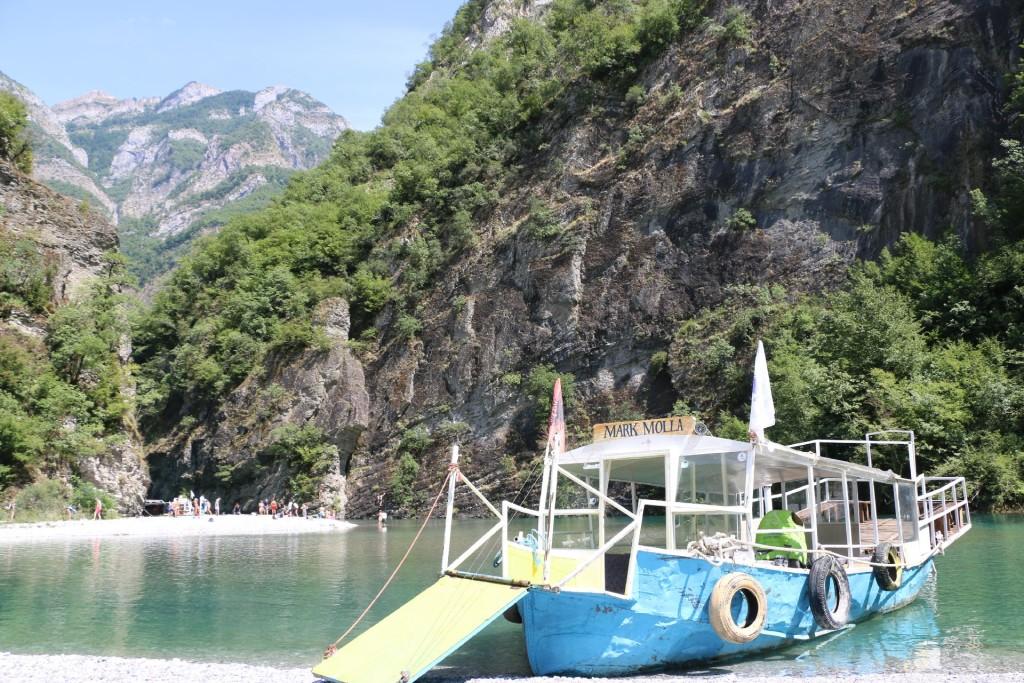 Komani Lake5