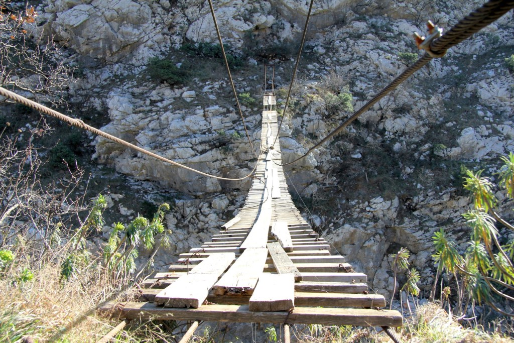 Moraca canyon suspension bridge7