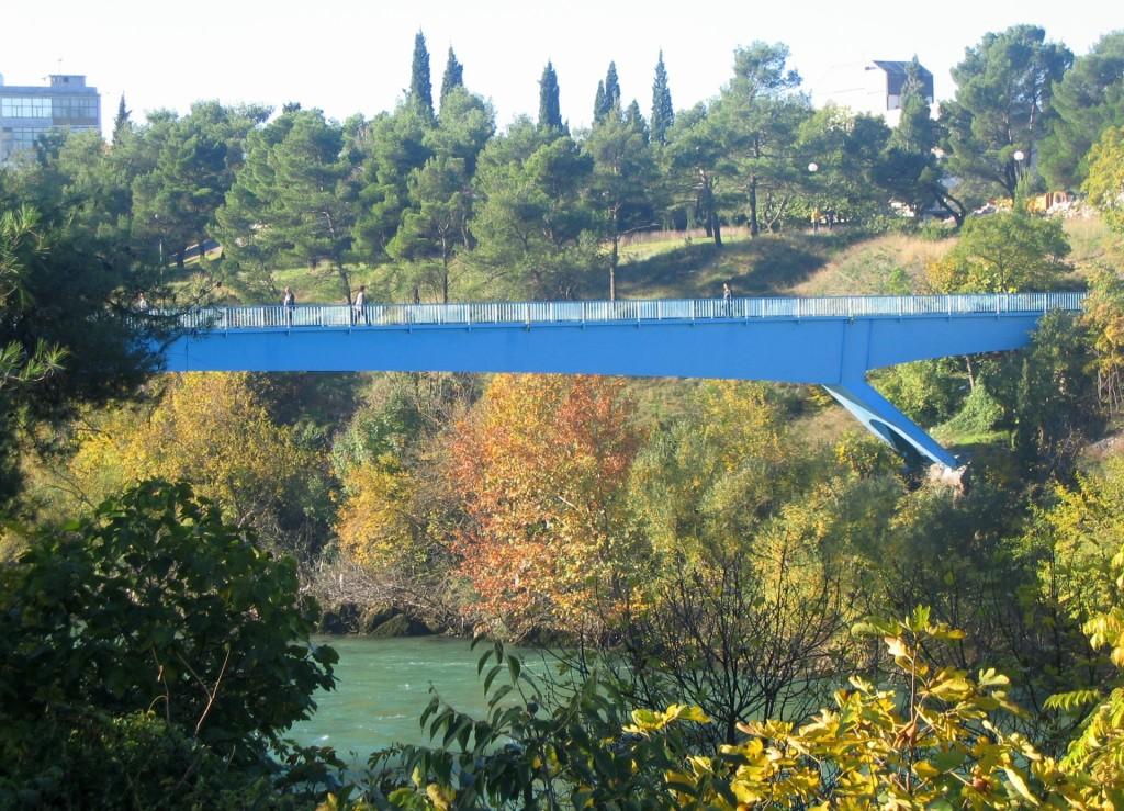 Podgorica6a pedestrian bridge