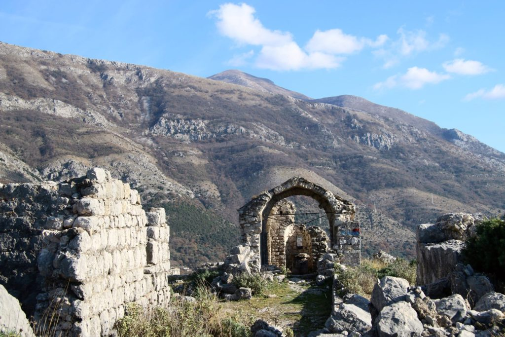 haj-nehaj-church-ruins1