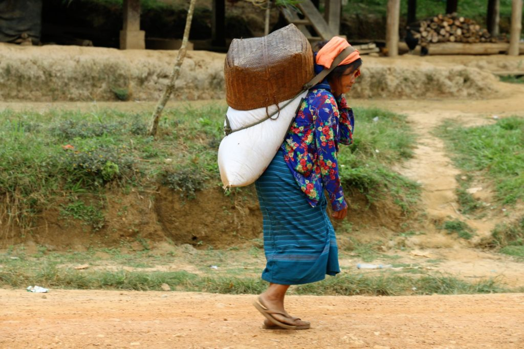 3 Lao woman