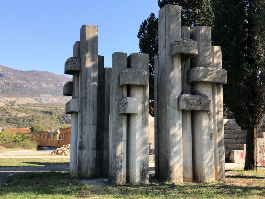war monument Ljutotuk